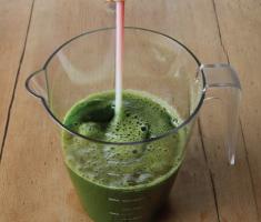 Kale-celery-pineapple-juice-3